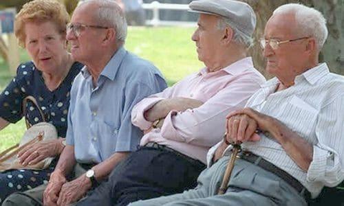 El abuelo puede dejar fuera del testamento a un nieto