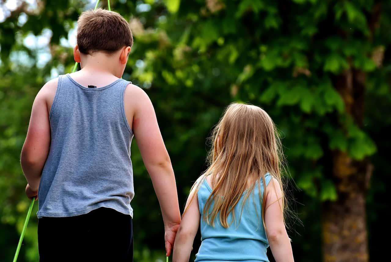 ¿Sabes que no puedes dejar herencia a uno de tus hermanos?